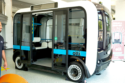 self-driving-bus-01